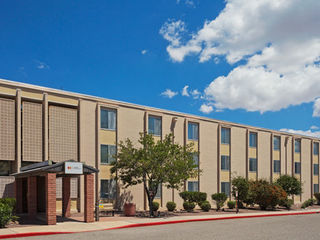 Fort Huachuca Directory - IHG Army Hotels Main Complex photo number 2