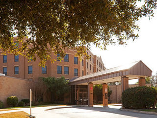 Fort Sam Houston (Joint Base San Antonio) Directory - IHG Army Hotels Holiday Inn Express Powless House photo number 1